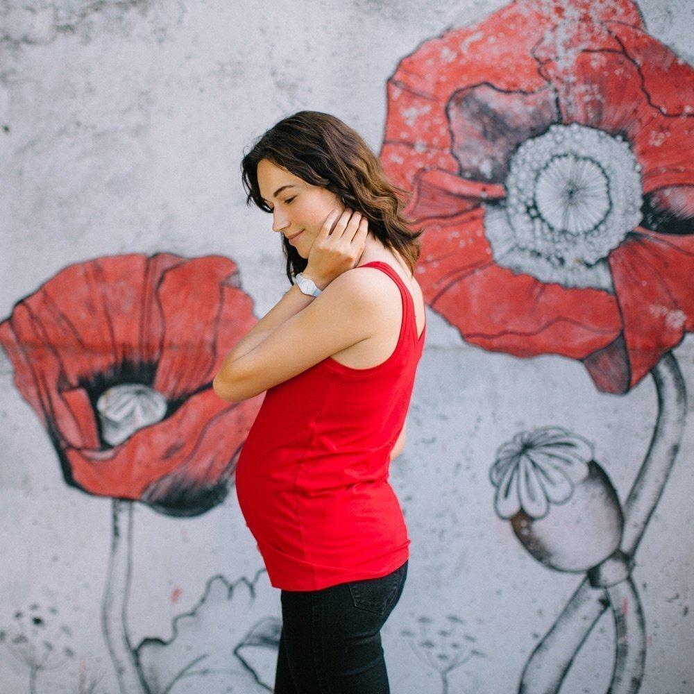 Майка для беременных и кормящих Красная