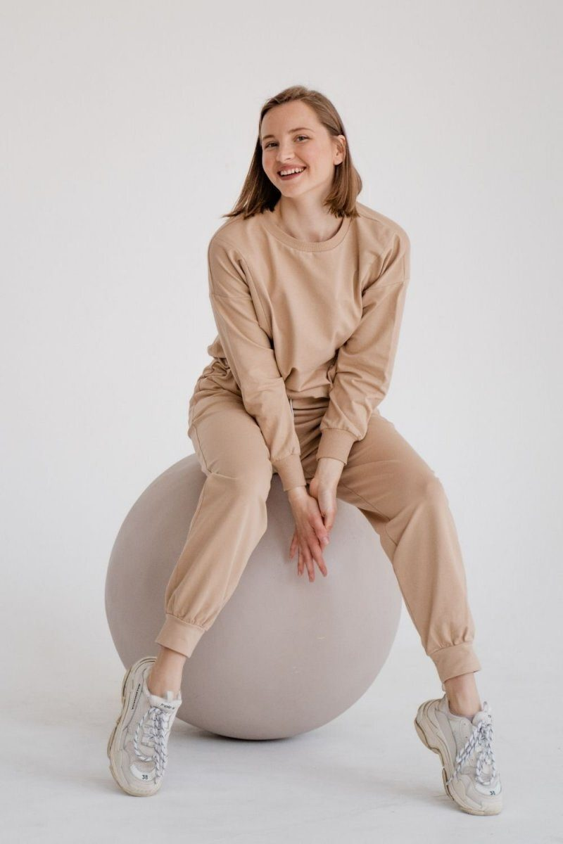 Спортивный костюм для беременных и кормящих 4301262 бежевый