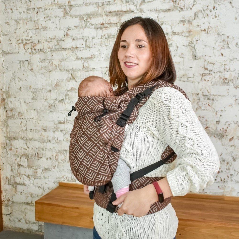 Эрго рюкзак Adapt шоколадный Geometry (0-48 мес) для новорожденных